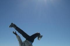 2003-03-27-skifahren-toggenburg-sellatmat-1372_handstand_aus_aller_welt