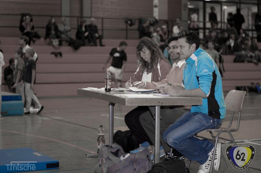2011-11-12-18-31-24_regionalentscheid_turnen_bearbeitet