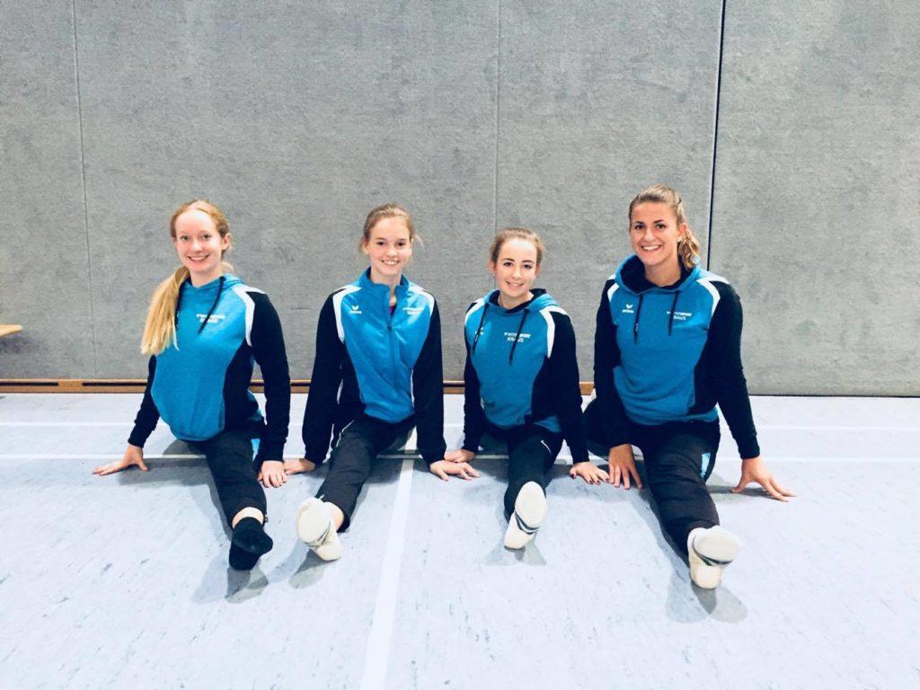 Unsere Turnerinnen: Valerie Lippert, Lena Joas, Marina Schröttle und Chiara Mair.